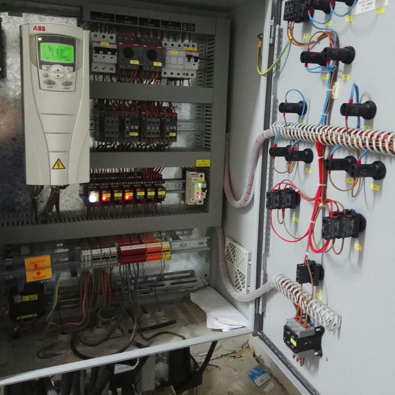 לוחות חשמל משני תדר (ABB)